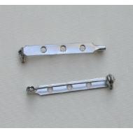 Spilla da incollo o da cucito a barra con 3 fori 38 mm. Base Argentato Rodio